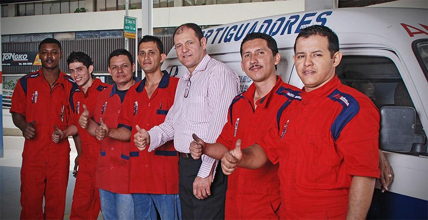 Equipo-Amortiautos-Cali-Colombia